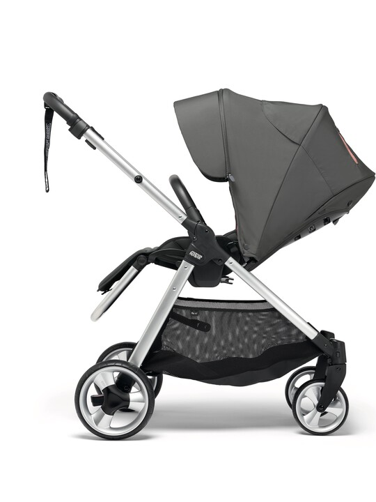 Armadillo Flip XT² Signature Edition Athleisure Pushchair - Grey/Coral image number 4