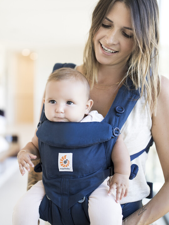 ErgoBaby Omni 360 All-in-One Ergonomic Baby Carrier - Midnight Blue image number 2